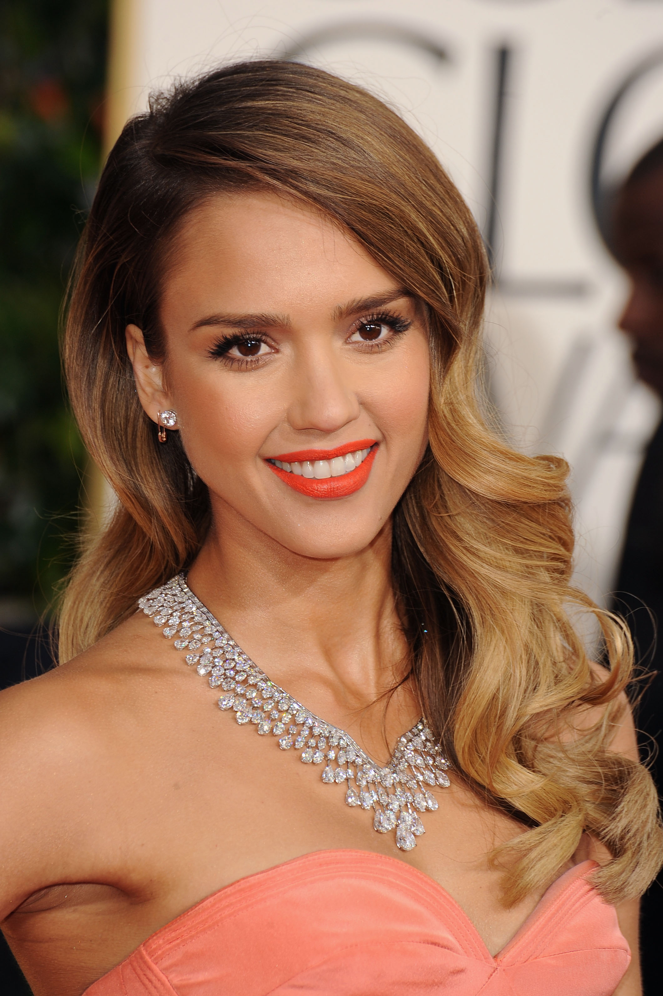 Get the Look: Jessica Alba at 2013 Golden Globes