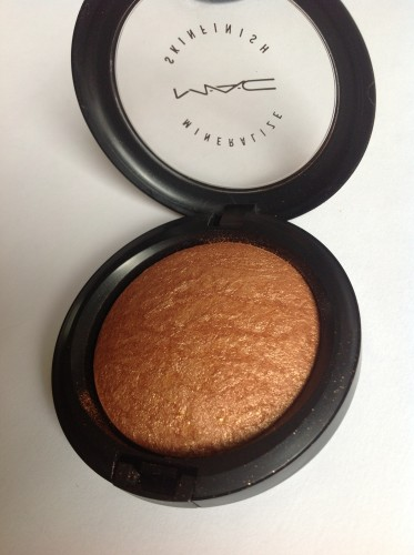 MAC Tropical Taboo Skinfinish Gold Deposit