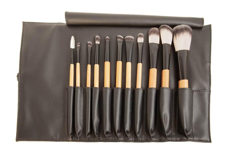 antonym-cosmetics- brush set
